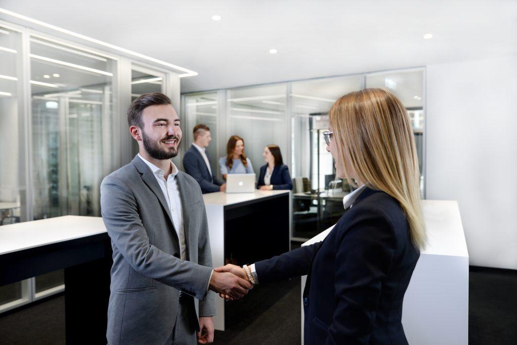 Bewerbungsgespräch Begrüßung